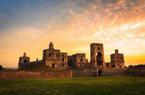 turismo polonia castillo ujazd calendario