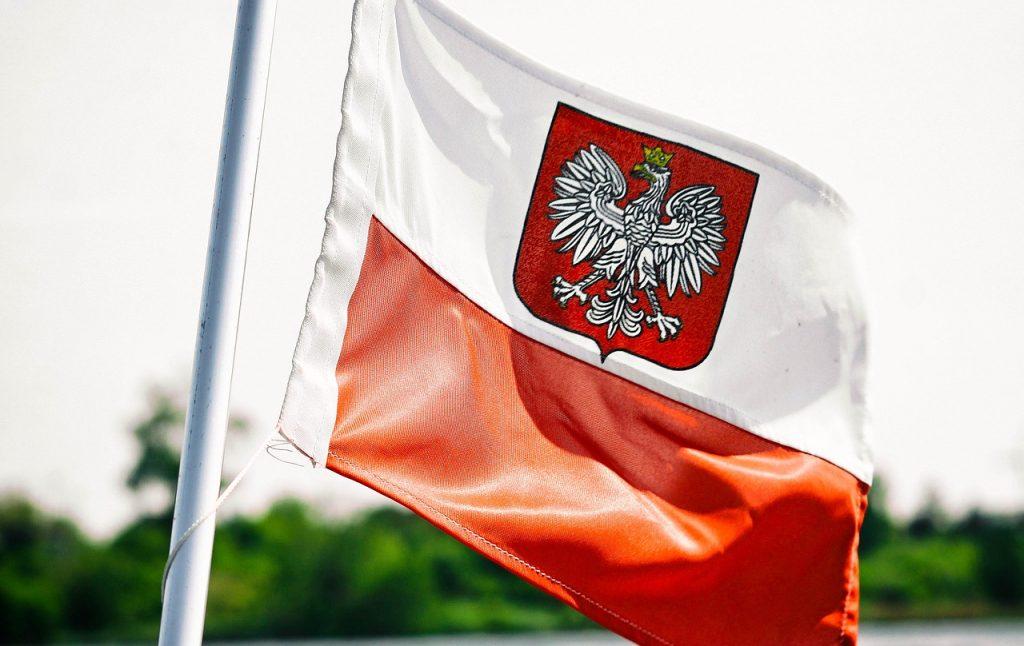que color tiene bandera polaca
